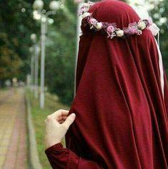 Image about flowers in 🌹❤👑 HIJAB 👑 ❤🌹 by safarovanigar Hijab Niqab, Muslim Hijab, Hijab Chic, Hijab Outfit, Arab Girls Hijab, Muslim Girls, Mode Abaya, Mode Hijab, Hijabi Girl