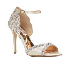 OMG! Deze trouwschoenen moet je hebben voor je trouwdag! - In White
