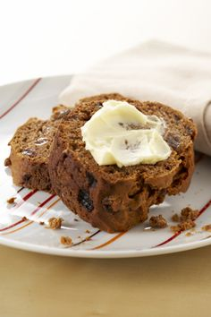 #ChristmasInspo #MakeMineWithNuttelex #DairyFree #AustralianMade #PlantBasedButters #EggFree #NutFree Dairy Free Baking, Date Cake, Sweet Buns, Spice Cake, Cake Tins, Food Allergies, Vegan Friendly, A Food, Delicious Desserts
