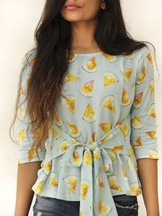 62 ideas how to wear culottes clothes Short Kurti Designs, Kurti Neck Designs, Kurti Designs Party Wear, Blouse Designs, Blouse Styles, Cotton Tops For Jeans, Stylish Jeans Top, How To Wear Culottes, Western Tops