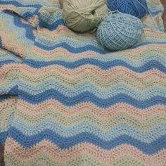 seashellsandoutbacktales #blanket #craft #instacraft #handmade #crochet #crochetersofinstagram #handmadewithlove #instacrochet #lovetocrochet #make #progress #relax #stripes #wool #yarn #ripple #chevron #rippleblanket #attic24 #autumn