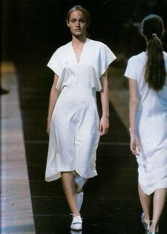 horreure:  Moda in N*109 Spring/Summer 1999Amber Valletta at Jil Sander