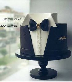 , The Effective Pictures We Offer You About birthday cake A quality picture can tell you many things. You can find the most beautiful pictures that can be presented to you about birthday cak Birthday Cakes For Men, 60th Birthday, Birthday Cake Ideas For Adults Men, Gateau Iga, Decors Pate A Sucre, Cake Design For Men, Tuxedo Cake, Dad Cake, Shirt Cake