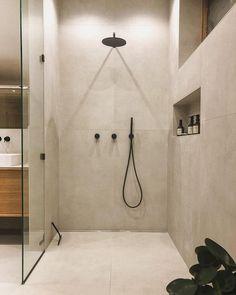 Willkommen im Haus 22 🧡 (@house.no22) • Instagram-Fotos und -Videos Master Bathroom, Bathtub, Instagram, Interior, House, Videos, Pictures, Full Bath, Standing Bath