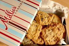 Millies cookies at Opéra métro. Millies Cookies, Biscuits, Muffins, Paris, Banana Bread, Chocolate, Baking, Breakfast, Desserts