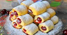 Shortbread with cherry filling Far Breton, Romanian Desserts, Cherry Cookies, Perfect Food, Shortbread, No Bake Cake, Hot Dog Buns, Sweet Recipes, Cookie Recipes