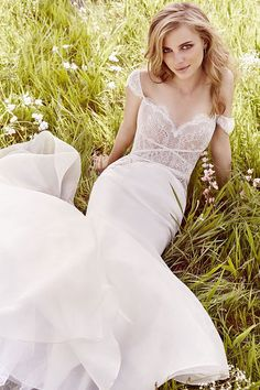 Jim Hjelm by Hayley Paige Fall 2016 Ivory Chantilly lace modified A-line bridal gownJim Hjelm by Hayley Paige Fall 2016 Ivory Chantilly lace modified A-line bridal gown