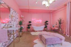 Neon Room, Pink Room, Room Ideas Bedroom, Bedroom Decor, Shabby Bedroom, Pretty Bedroom, Schönheitssalon Design, Design Homes, Design Ideas