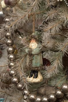 Diy Christmas Decoration Ideas and Crafts Shabby Chic Christmas, Christmas Past, Victorian Christmas, Vintage Christmas Ornaments, Primitive Christmas, Blue Christmas, Country Christmas, Beautiful Christmas, Winter Christmas