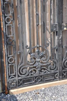 French Louis the 14th style wrought iron grille - Late 19th century 3