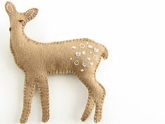 Felt Christmas DeerII - Pretty by Hand - would need to fix the weird one-eye thing