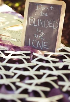 Over a dozen cute & creative wedding favor ideas your guests will truly love. --- Ruby, I can totally see you and Nathan having something like these if you have outdoor wedding.