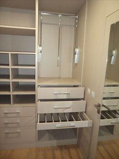 37 Trendy closet de madera esquinados in 2020 Wardrobe Design Bedroom, Bedroom Cupboard Designs, Bedroom Bed Design, Bedroom Cupboards, Master Bedroom Closet, Bedroom Wardrobe, Wardrobe Closet, Dressing Room Design, Closet Layout