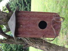 Rusty olde birdhouse