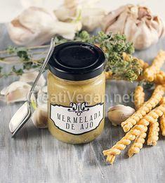Garlic jam - recipe in Spanish, with translator Garlic Jam Recipe, Jam Recipes, Vegan Recipes, Salty Foods, Desi Food, Kitchen Recipes, Baking Ingredients, Tapas, Food Porn