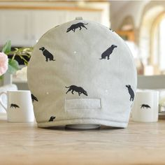 Sophie Allport Labrador Tea Cosy ($24) ❤ liked on Polyvore featuring home, kitchen & dining, kitchen linens and sophie allport