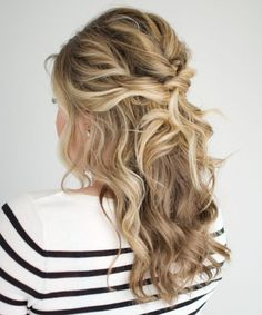 14+ Delicate Long Wavy Hairstyles for Women You Must See And Try This Year