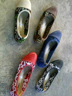 flatshoes from WARNA Indonesia.  use dayak and malay complexion combine gueniu leather
