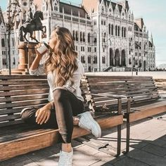 5 Reasons Why Eastern Europe Is The Best Holiday Destination – – girl photoshoot poses Portrait Photography Poses, Photography Poses Women, Best Photo Poses, Picture Poses, Pose Portrait, Foto Madrid, Shotting Photo, Foto Casual, Posing Guide