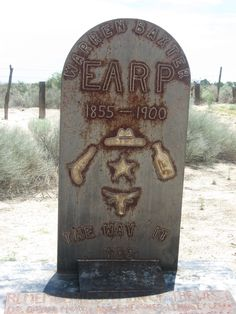 Gravesite of Warren Earp, the forgotten Earp brother, in a fascinating old cemetary in Wilcox, Arizona Cemetery Headstones, Old Cemeteries, Cemetery Art, Old West Photos, Antique Photos, Famous Outlaws, Grave Monuments, Famous Tombstones, Movies