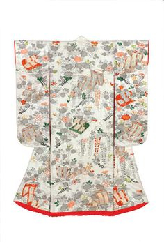 Outer kimono for a young woman (uchikake). Flowers and rolled blinds.  Figured satin silk (rinzu); ink painting (kaki-e), stencil imitation tie-dyeing (suri-hitta) and embroidery in silk and metallic threads. Edo period, 1800–50, 162.5 x 126.0 cm, KX144.