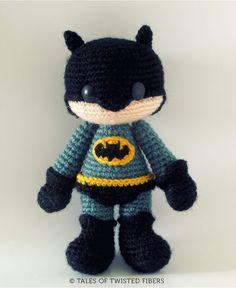 Free Batman Amigurumi Pattern from Tales of Twisted Fibers http://wixxl.com/free-amigurumi-patterns/