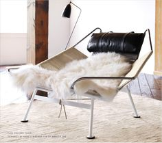 This Hans Wegner reproduction chair from Rove Concepts features all original specifications and materials. The Flag Halyard chair not only looks amazing but is one of Wegners most comfortable designs. Home Furniture, Furniture Design, Plywood Furniture, Furniture Stores, Furniture Ideas, Décor Boho, Up House, Take A Seat, Mid Century Modern Furniture