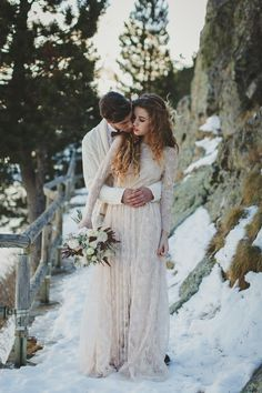 A snowy landscape was the gorgeous backdrop for this bohemian inspired winter wedding shoot from Spain. Nordic Wedding, Woodland Wedding, Winter Wedding Inspiration, Wedding Ideas, Wedding Shoot, Wedding Bride, Winter Wedding Receptions, Boho Wedding Dress Bohemian, Hippie Bohemian