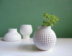 Vintage Ananas Vase, weiß / vintage living decoration: white vase, ananas by ILoveSparrows via DaWanda.com