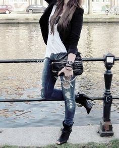 I like the outfit but love the shoes!