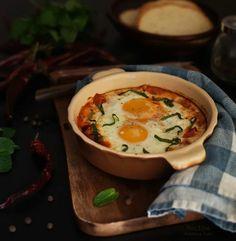 Яичница с сыром и помидорами с базиликом-Омер паша