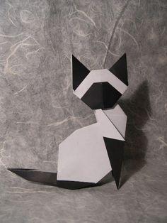 Origami Siamese Cat! Designer: Makoto Yamaguchi
