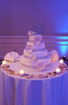 Beautiful Wedding Cake at the DoubleTree by Hilton Tarrytown