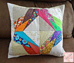 Capa de almofada de patchwork (paper piecing)