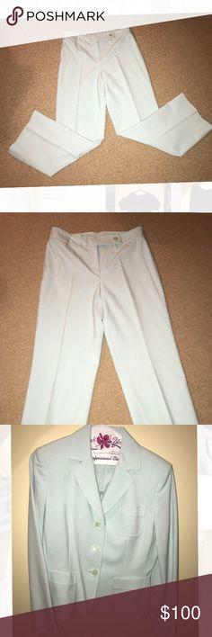 "Elie Tahari Suit size 6P Two piece suit  Only worn once  Size 6P, inseam: 28""  Light blue color Elie Tahari Other"