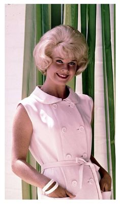 Doris Day Old Hollywood Actresses, Hollywood Glamour, Classic Hollywood, Actors & Actresses, Classic Actresses, Old Movie Stars, Classic Movie Stars, Doris Day Movies, Girl Next Door