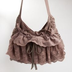 Lace Front Bag with Side Ruching Love this... want this....maybe I can make one!