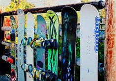 10 Awesome Fences Created From Recycled Sports Gear Diy Recycle, Reuse, Recycling, 10 Barrel, Interesting History, Sports Equipment, Snowboarding, Garden Art, Surfboard