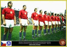 Czechoslovakia team line up at the 1976 European Championship. d9014d43f