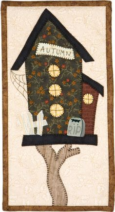 (Adapt for each season) House Quilt Patterns, House Quilt Block, Applique Quilt Patterns, House Quilts, Skinny Quilts, Bird Applique, Fabric Postcards, Bird Quilt, Halloween Quilts