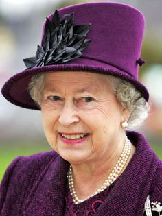 Queen Elizabeth, 2005  rocking Radiant Orchid (2014's color of the year)