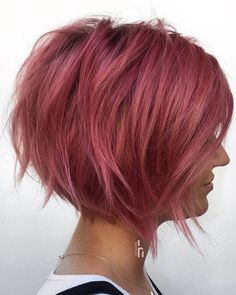 50 Most Eye-Catching Short Bob Haircuts That Will Make You Stand Out Have you ever thought of channeling your inner Scarlett Johansson with Black Widow-inspired short bob haircuts? Layered Bob Hairstyles, Short Hairstyles For Women, Cute Hairstyles, Hairstyle Ideas, Short Curly Hair, Short Hair Cuts, Curly Hair Styles, Asymmetrical Bob Haircuts, Short Bob Haircuts