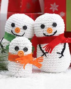 This family of adorable snowmen is ready for the holiday season!