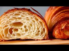 Croisant con hojaldre casero.  Esbieta  YouTube French Croissant, Bread Recipes, Cooking Recipes, Croissant Recipe, Croissants, Cakes And More, Bakery, Brunch, Rolls