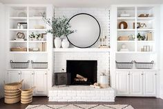 Excellent Snap Shots Brick Fireplace makeover Ideas Top Fireplace Ideas To Warmup Your Home – House Topics Brick Fireplace Mantles, Brick Fireplace Makeover, Fireplace Ideas, Mantle Ideas, Mirror Over Fireplace, Christmas Fireplace, Fireplace With Bookshelves, Fireplaces, Modern Fireplace Decor