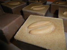 Kávové mydlo s kávovým zrnom Soap Recipes, Bread, Food, Brot, Essen, Baking, Meals, Breads, Buns
