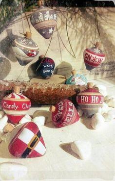 Χριστουγεννιάτικη ξύλινη σβούρα μπομπονιέρα Candy, Sweets, Candy Bars, Chocolates