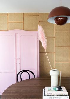 Danish company NLXL created caning wallpaper so we can enjoy those beachy summer vibes all year round. Pink Cabinets, Ikea Cabinets, Pink Wardrobe, Vintage Wardrobe, Wallpaper Backgrounds, Wallpaper Ideas, Wallpaper Desktop, Girl Wallpaper, Disney Wallpaper