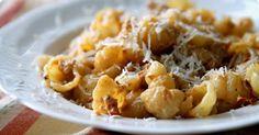 A super-tasty cream cheese & tomato pasta by Sillä Sipuli (sillasipuli.blogspot.com)