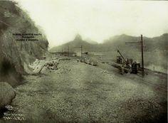 Av. Epitácio Pessoa em obras Lagoa Rodrigo de Freitas Ao fundo vê-se o Morro Dois Irmãos e Pedra da Gávea  7/10/1921  Fotografia de Augusto Malta